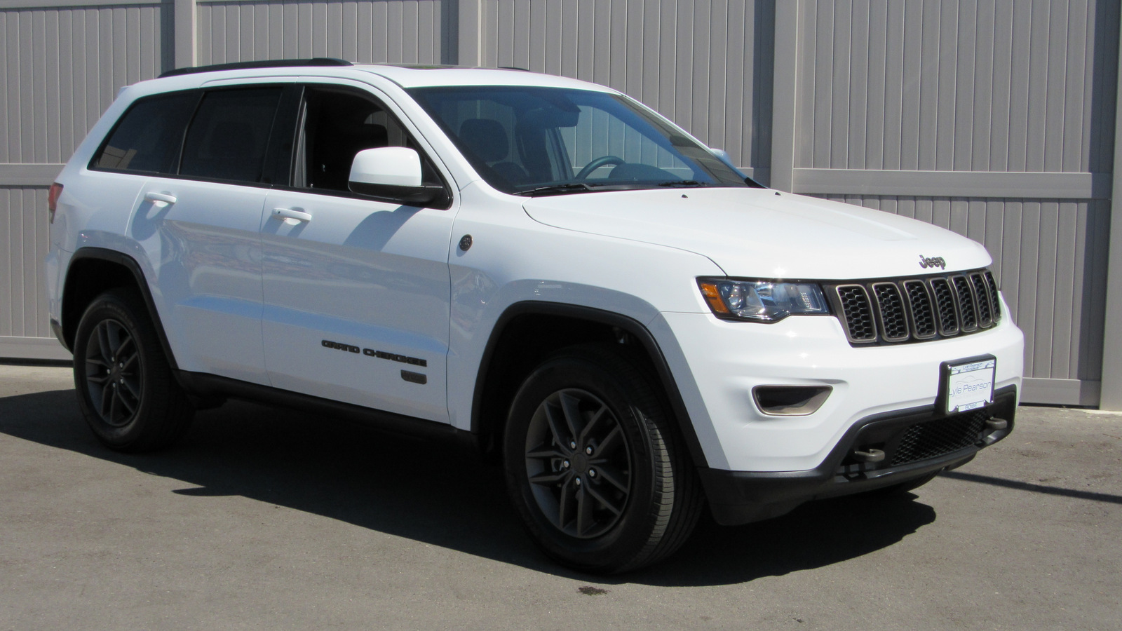 Pre-Owned 2016 Jeep Grand Cherokee 4WD 4dr 75th Anniversary