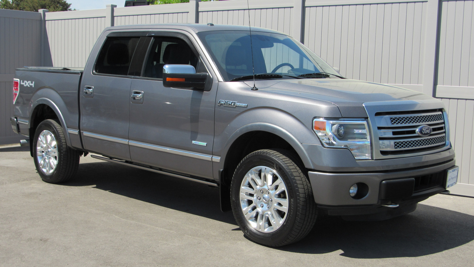 2014 F150 Platinum >> Pre Owned 2014 Ford F 150 4wd Supercrew 145 Platinum 4wd