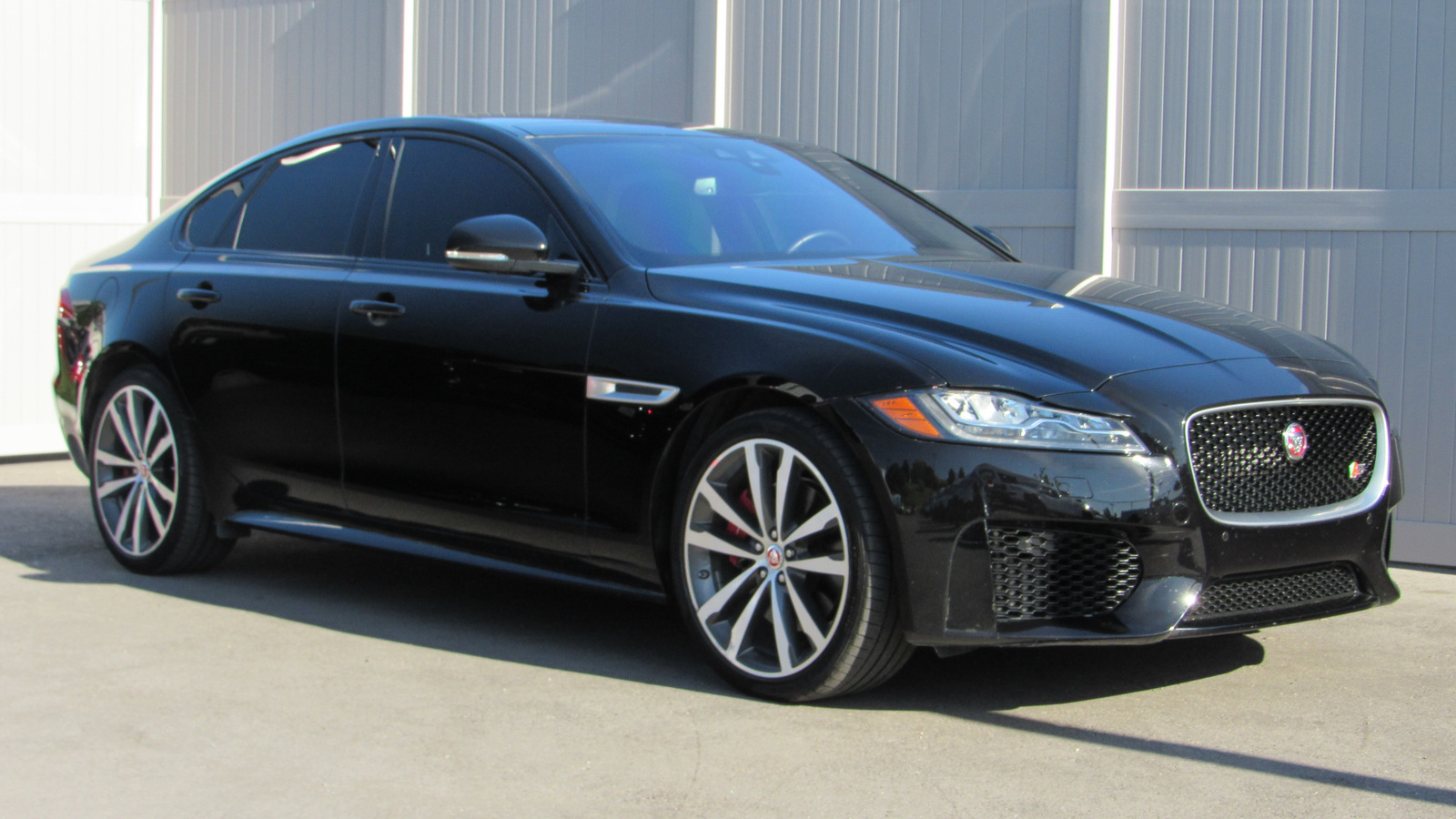 Pre-Owned 2016 Jaguar XF 4dr Sdn S AWD