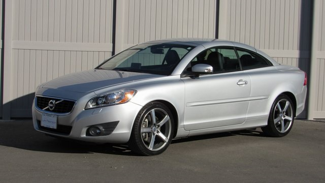 Pre-Owned 2012 Volvo C70 T5 Premier Plus
