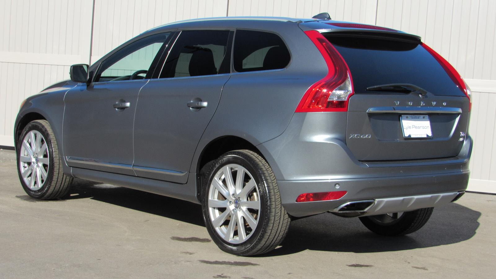Pre Owned 2017 Volvo Xc60 T6 Awd Inscription