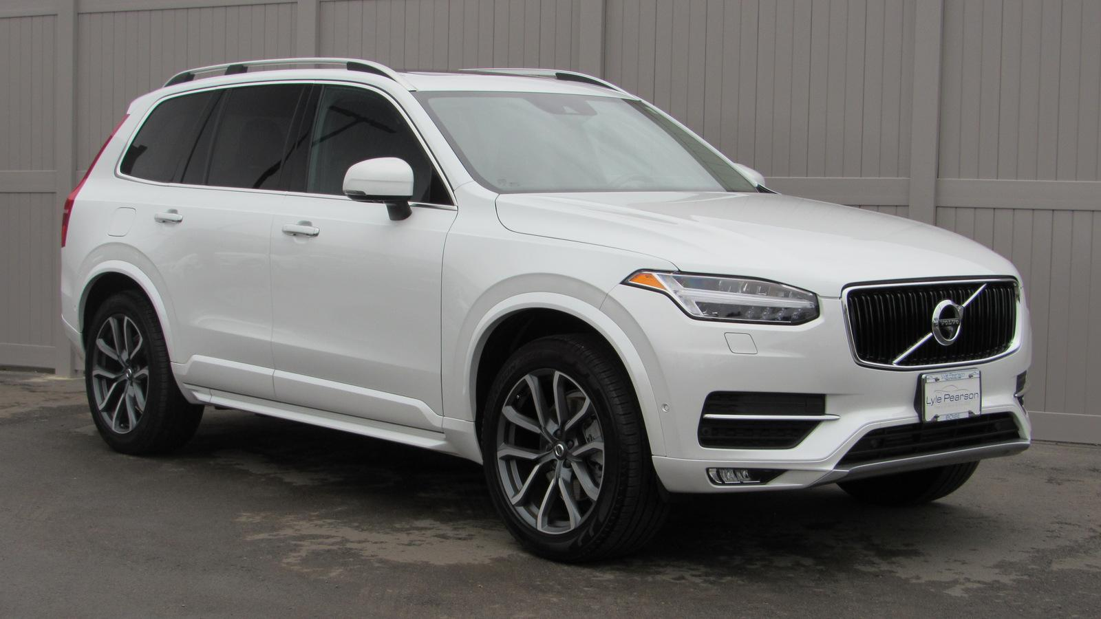 Pre Owned 2017 Volvo Xc90 T6 Awd 7 Penger Momentum